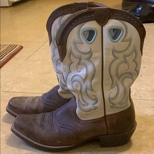 Ariat size 10 boots